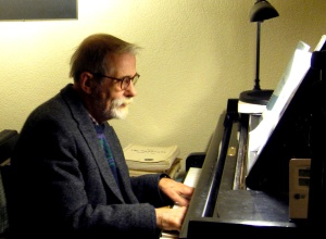 Elsen, Frans - Frans Elsen achter piano - bewerkt