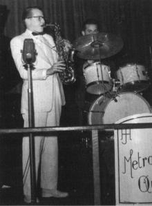 Jos van Heuverzwijn alias 'Joe Hervey' op altsax, de leider van Joe Hervey's Metronome Quintet. – foto: Wouter van Gool, © NJA